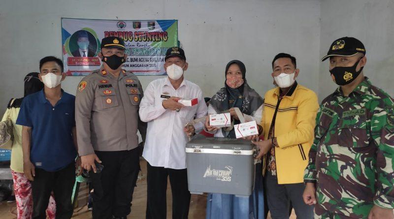 Pengurus Partai Golkar Lampung Timur Beri Bantuan Vaksin Untuk Masyarakat